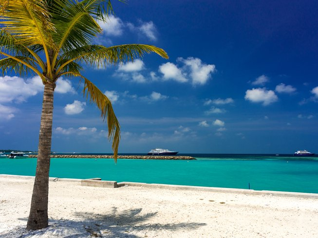 8 Days Luxury Cruise and Yoga Retreat in Maldives