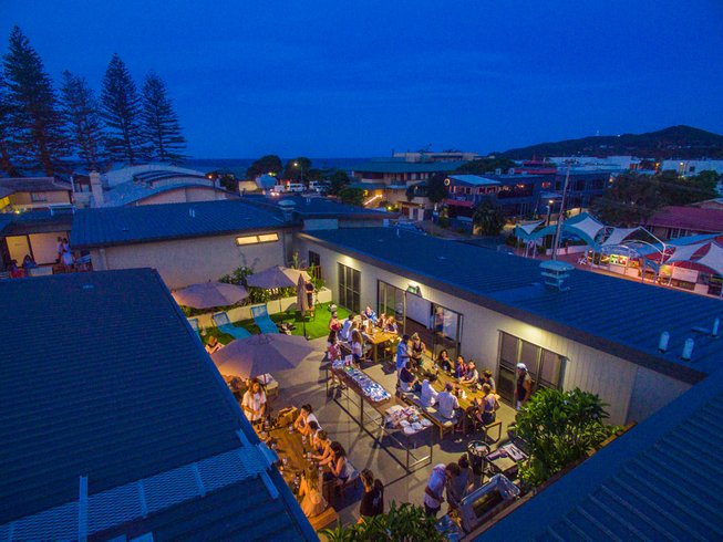 6 Days Deluxe Surf and Stay Holiday in Byron Bay, Australia
