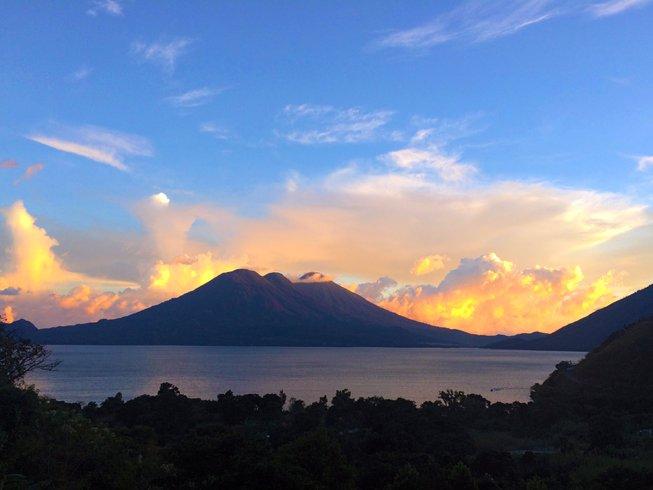 22 días profesorado de yoga de 200 horas en Tzununá, Guatemala