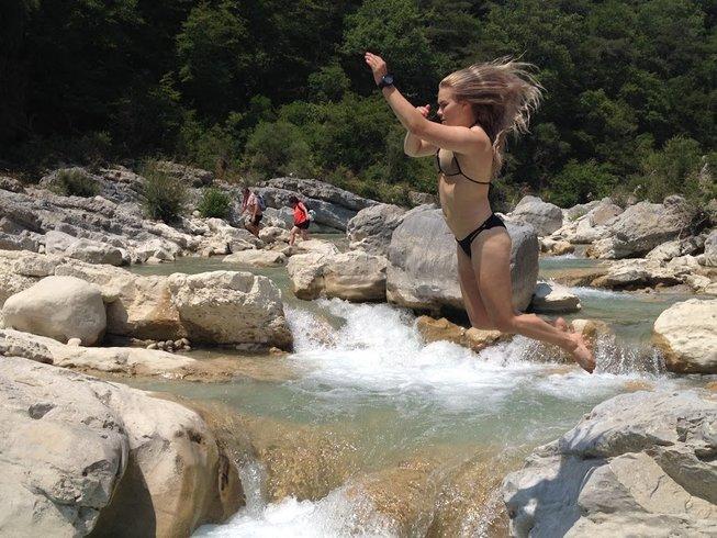 9 jours en retraite de yoga, randonnée, excursions culturelles et cuisine dans le sud de la France