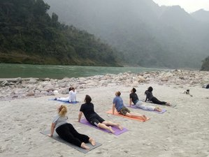 3 Days Relaxing Yoga Retreat in Rishikesh, India