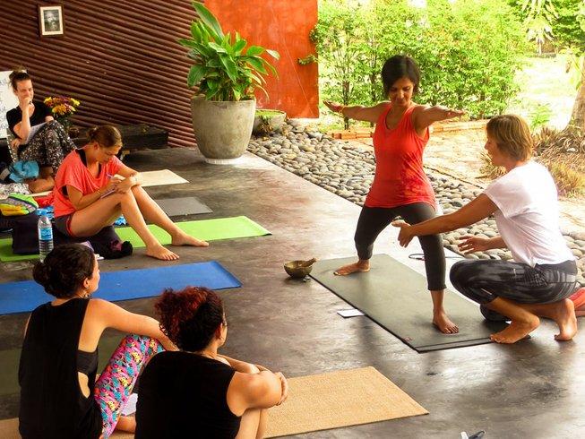 30 días profesorado de yoga Hatha de 200 horas en Ko Phangan, Tailandia