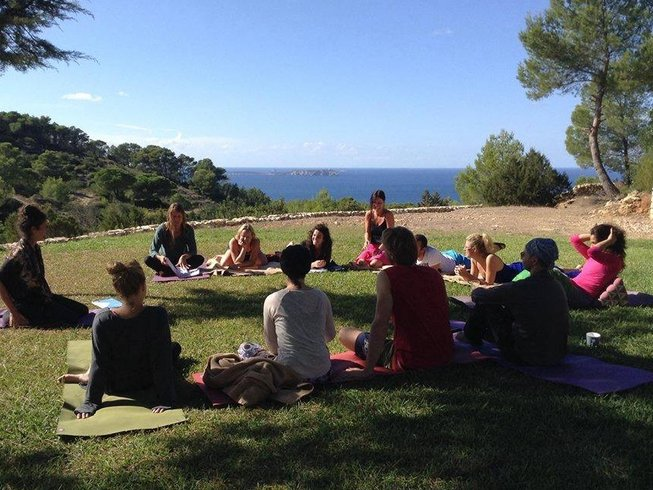 29 Days Mindfulness and Yoga Teacher Training in Spain