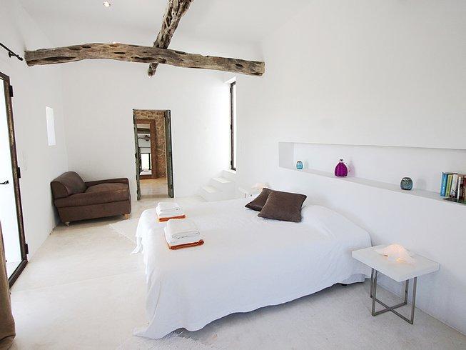 7 Days Detox & Yoga Retreat in Ibiza