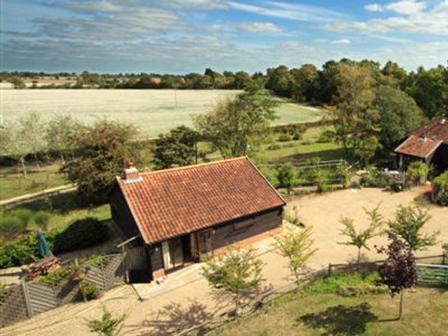 3 Days Weekend Yoga Retreat in Suffolk Countryside, UK