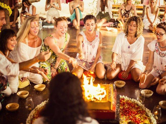 26 Tage 200-Stunden Ashtanga Vinyasa Yogalehrer Ausbildung in Goa, Indien