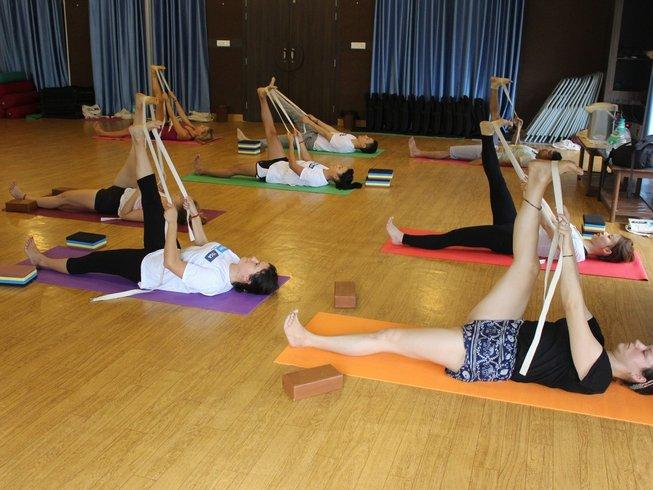 26 Tage 200-Stunden Yogalehrer Ausbildung in Rishikesh, Indien