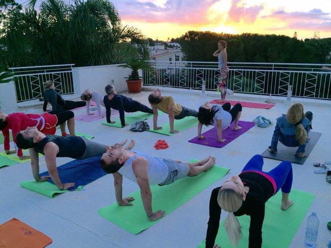 8 días de retiro de yoga y meditación familiar en Sicilia, Italia