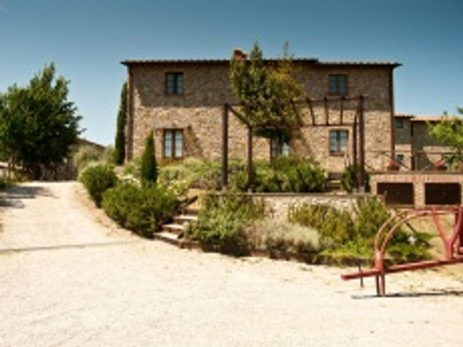 8 Days Yoga Retreat in Italy by Yogatraveller