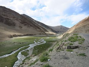 10 Day Guided Motorcycle Tour in India from Manali to Leh Along the Himalayas