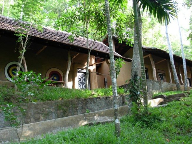 4 Days Yoga Retreat with Paddy Mc Grath in Sri Lanka