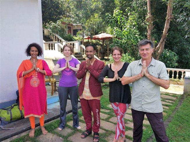 21-Daagse Transformerende Yoga Retreat in Nepal