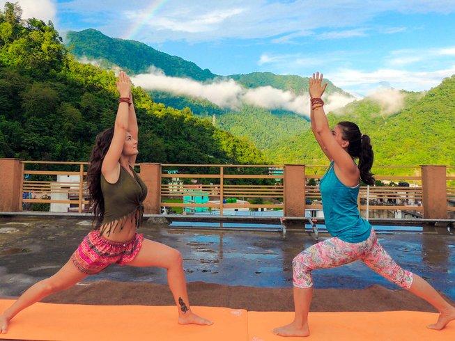 29 días 300 horas de profesorado de yoga en Rishikesh, India