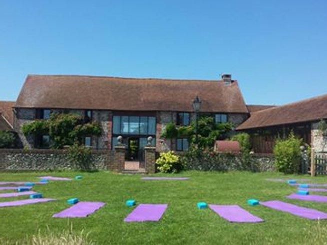 5 jours en stage de yoga pour la ménopause dans le Sussex de l'ouest, Grande-Bretagne
