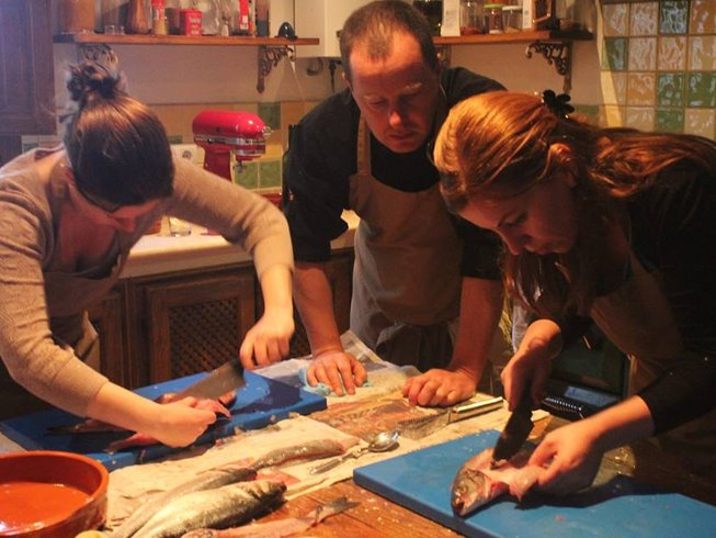 4 Days Mediterranean Seafood Cooking Vacation in Spain