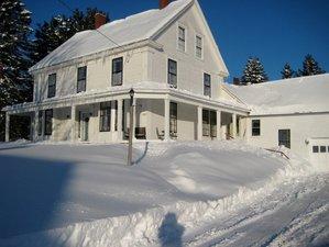 6 Days Cozy Winter Meditation and Yoga Retreat in Maine, USA