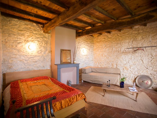 7 Days Cleanse and Five Senses Yoga Retreat in Gascony, France