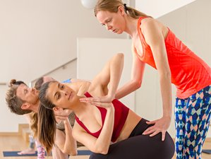 29 Tage 200-Stunden Hot Yoga Lehrerausbildung in Sant Martí, Barcelona