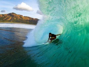 5 Days West Sumbawa Surfing Experience with Myamo Beach Lodge