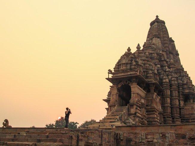 8 Tage Buddhistische Meditation und Kamasutra Yoga Urlaub in Indien