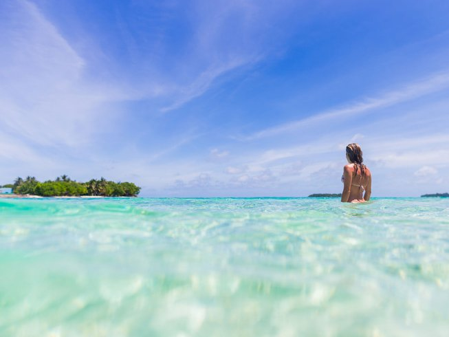 8 Days Mindblowing Surf Camp Maldives