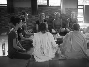 29 Days 200-Hour Yoga Teaher Training in Rishikesh, India