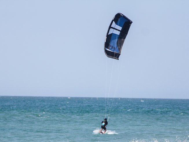 8-Daagse Deluxe Kiteboarding, Yoga & Surf Retraite in North Shore, Peru