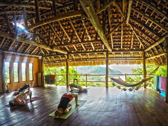 8-Daagse Surfkamp en Yoga Retraite in Playa Escameca, Nicaragua