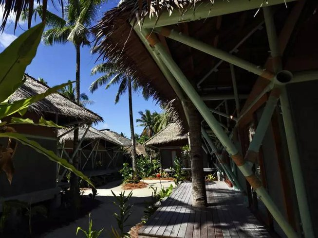 8 Days Budget Surf Camp Philippines