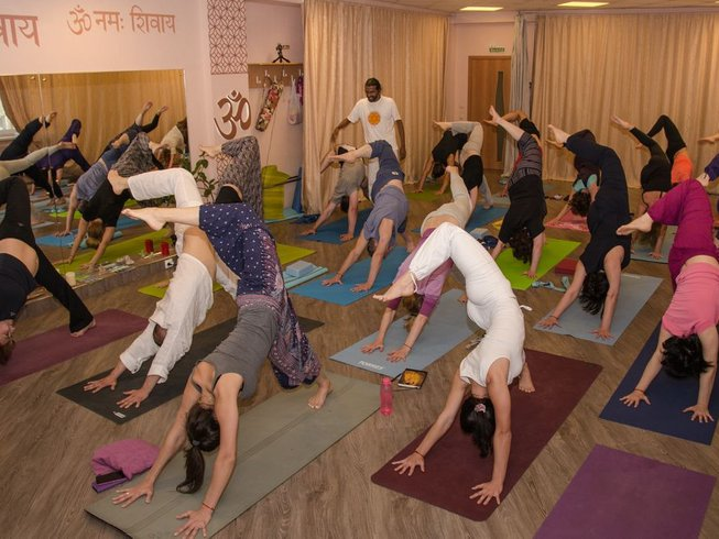 28 Days 250-Hour Advanced Yoga Teacher Training in Kerala, India