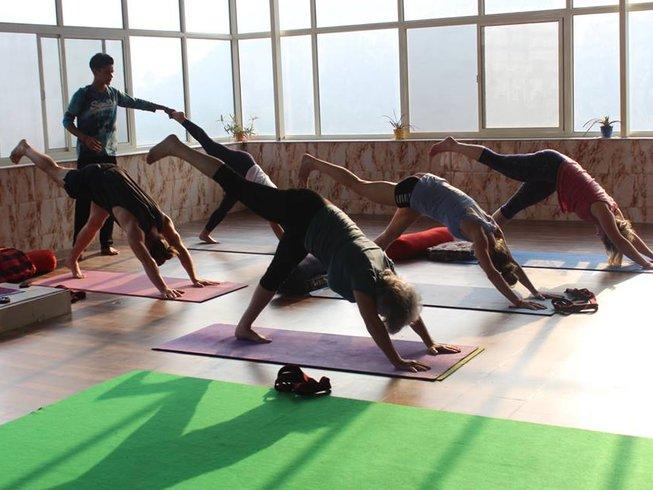 4 Tage Detox und Yoga Urlaub in Rishikesh, Indien