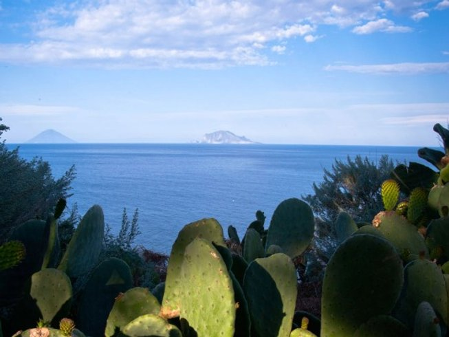 5 Days Eolian Islands Cooking & Culture Holiday in Italy