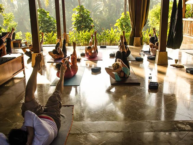 5 Days Surf and Yoga Retreat in Bali