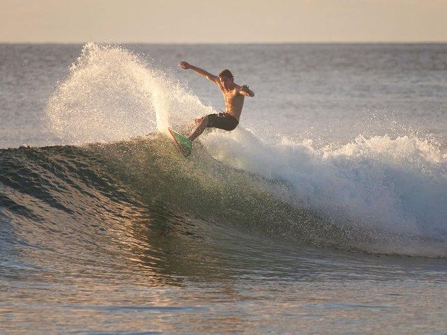 7 Days Surf Camp in Malé, Republic of Maldives