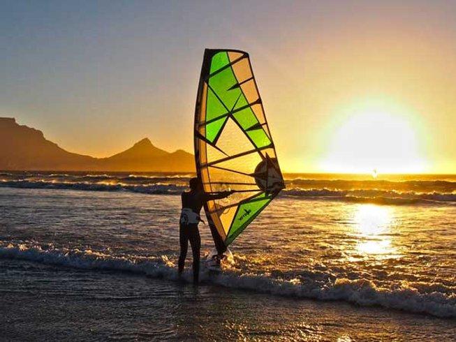 5 Days Beginner Windsurfing Surf Camp Portugal