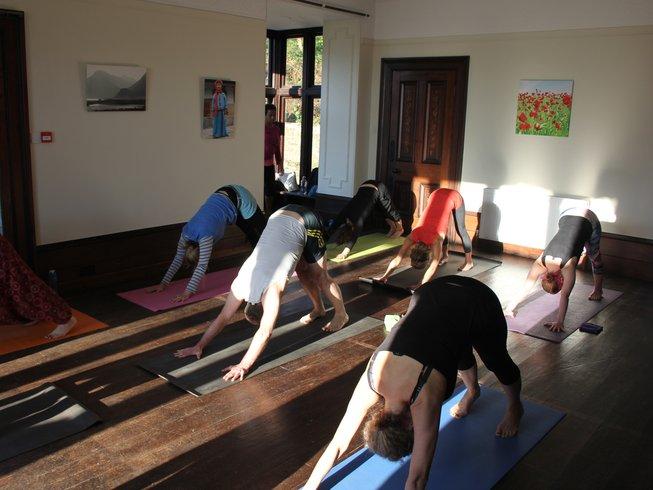 4 Tage Paleo Detox, Meditation und Yoga Urlaub in Großbritannien