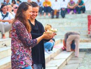 30 Tage 300-Stunden Ashtanga Vinyasa Flow Yogalehrer Ausbildung in Rishikesh, Indien
