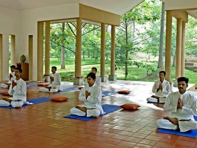 22 jours en retraite de yoga, detox panchakarma et méditation à Karnataka, Inde