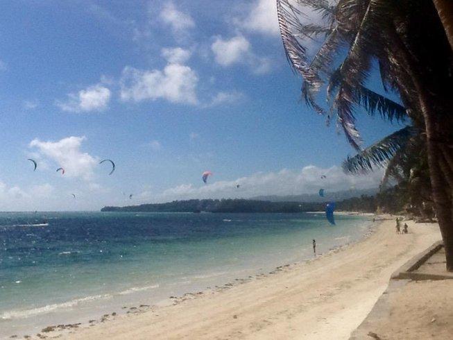 7 Days Beginner Kitesurfing Holiday Philippines