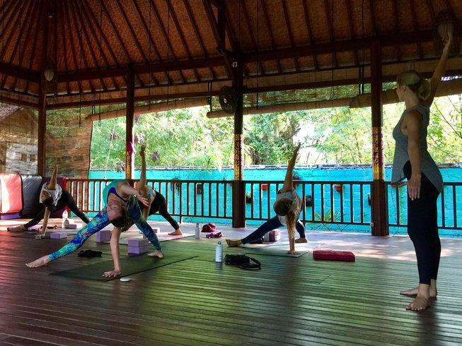 16-Daagse 100-Urige Vinyasa Yoga Docentenopleiding voor Gevorderden op Nusa Lembongan, Indonesië