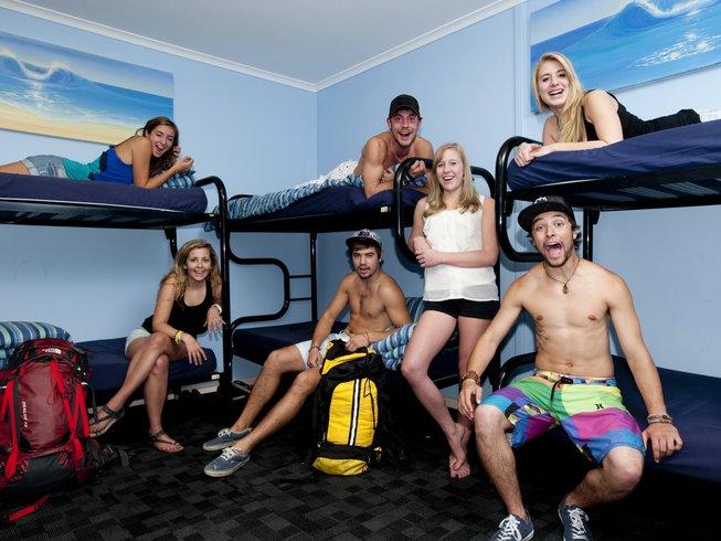 8 Days Budget Surf Camp Sydney, Australia