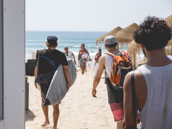 7 Days Wave Surf Camp in Charneca, Almada, Portugal