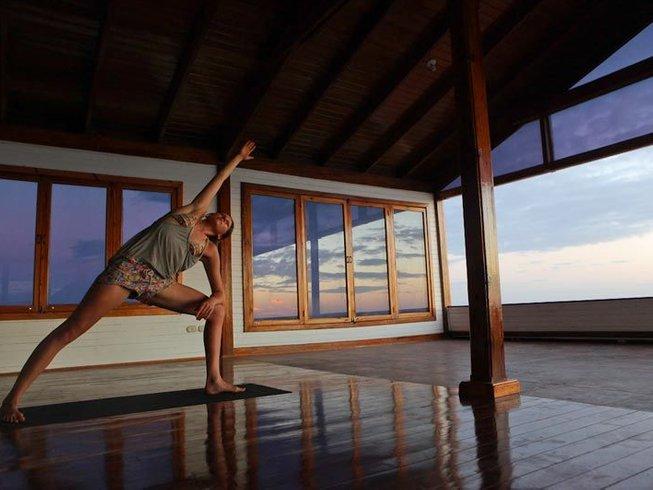 8 Days AcroYoga Retreat in Popoyo, Nicaragua