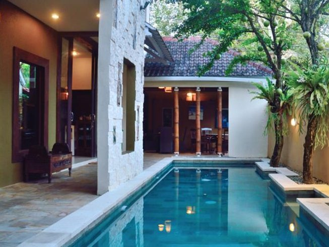 2 jours en formation de professeur de yoga et SUP à Bali, Indonésie
