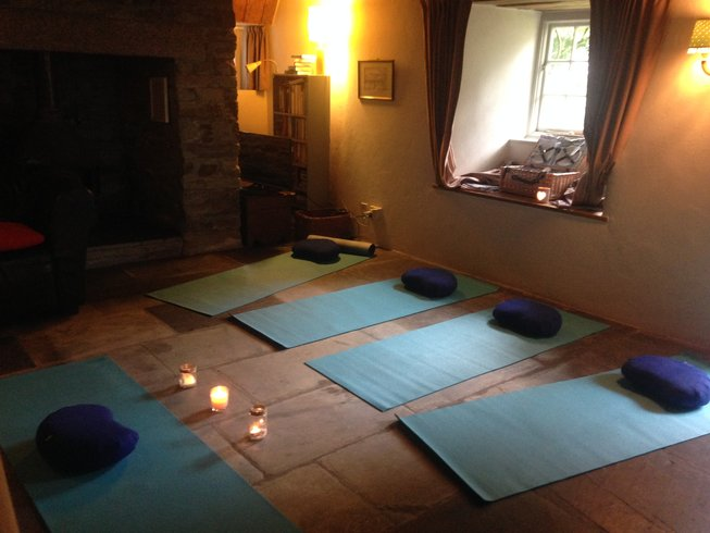 3 Days 'Press Pause' Mindfulness and Yoga Retreat in Cornwall, UK