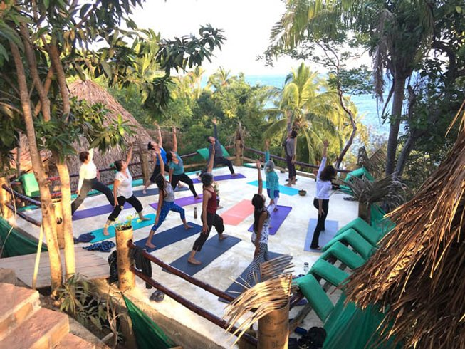 7 Days Yoga and Juice or Raw Food Detox Retreat in Yelapa, Mexico