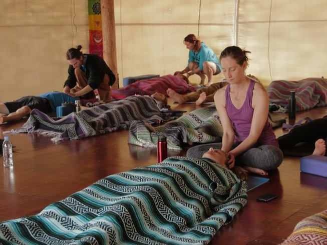 18 Days  Immersion to Yogic Lifestyle 200-Hour Yoga Teacher Training in Hawaii, USA