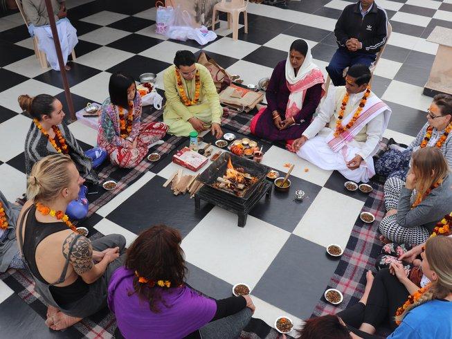 27-Daagse 200-urige Oude Yoga Docentenopleiding in Rishikesh, India