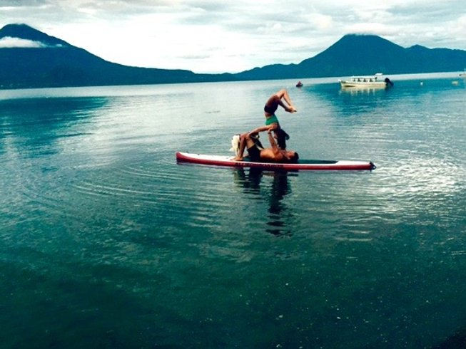 6 días divertido campamento de SUP yoga en Panajachel, Guatemala