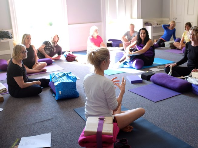 3 Days Weekend Iyengar Yoga Retreat UK